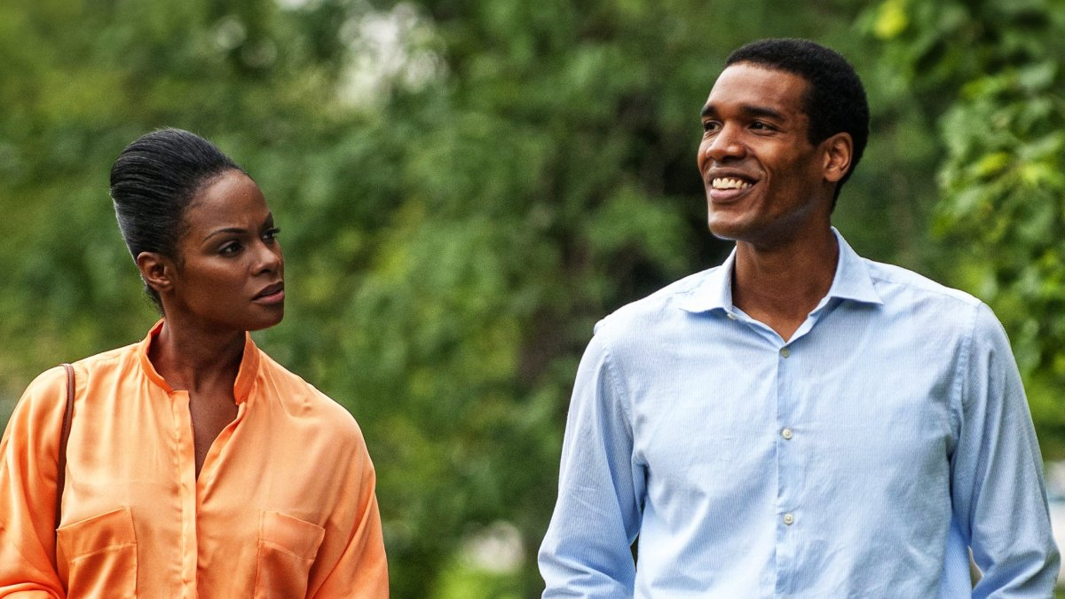 Michelle and Barack Obama's first moments together unfold in SOUTHSIDE WITH YOU on DVD & Blu-ray Dec. 13